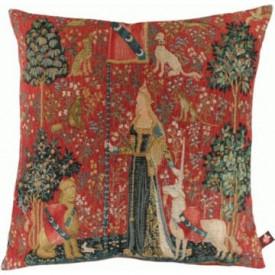 Декоративная подушка Дама с единорогом. Прикосновение